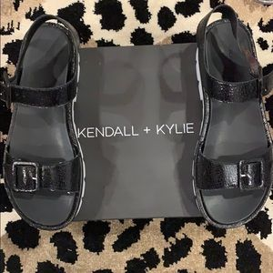Kendall & Kylie Shoes - Kendall and Kylie Black Wave Platform Sandals
